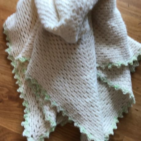 Alpaca Baby Snug, crocheted - Natural with Mint Trim image